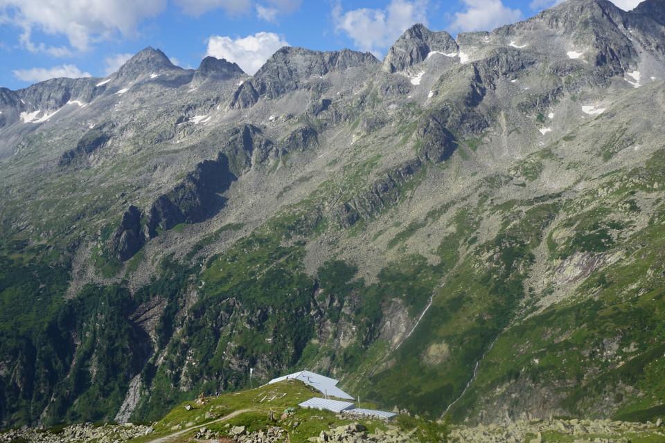 Blick von der Giessener Hütte nach SW