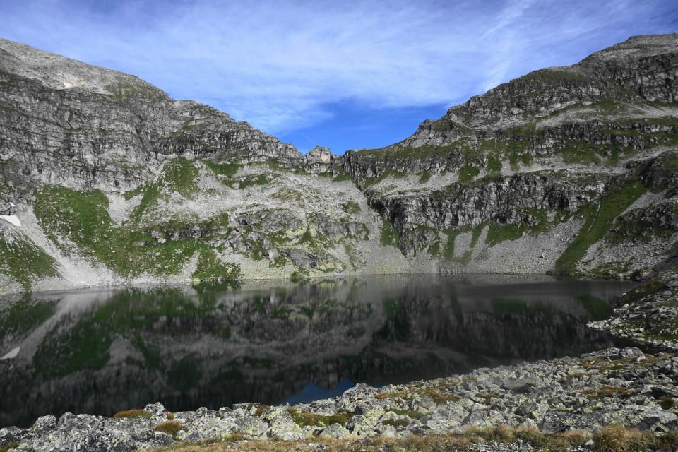 unterer Schwarzsee mit Schmalzscharte